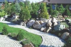 Akmenys-dideli-alpinariume